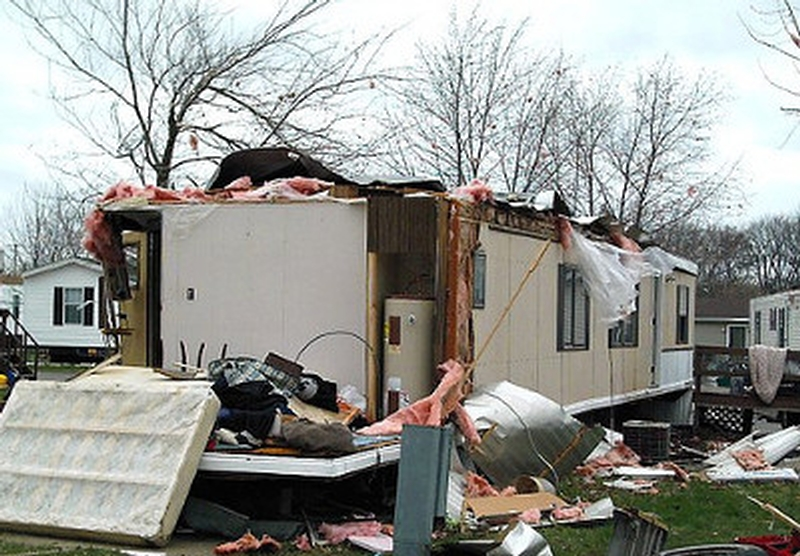 tornado roof damage illinois